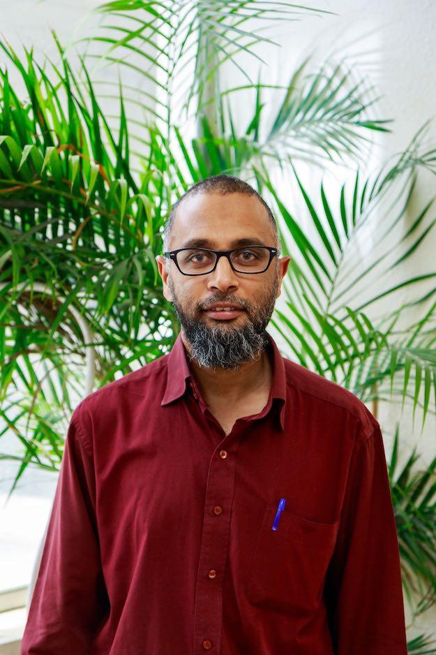 Dr. Ismael Rumzan